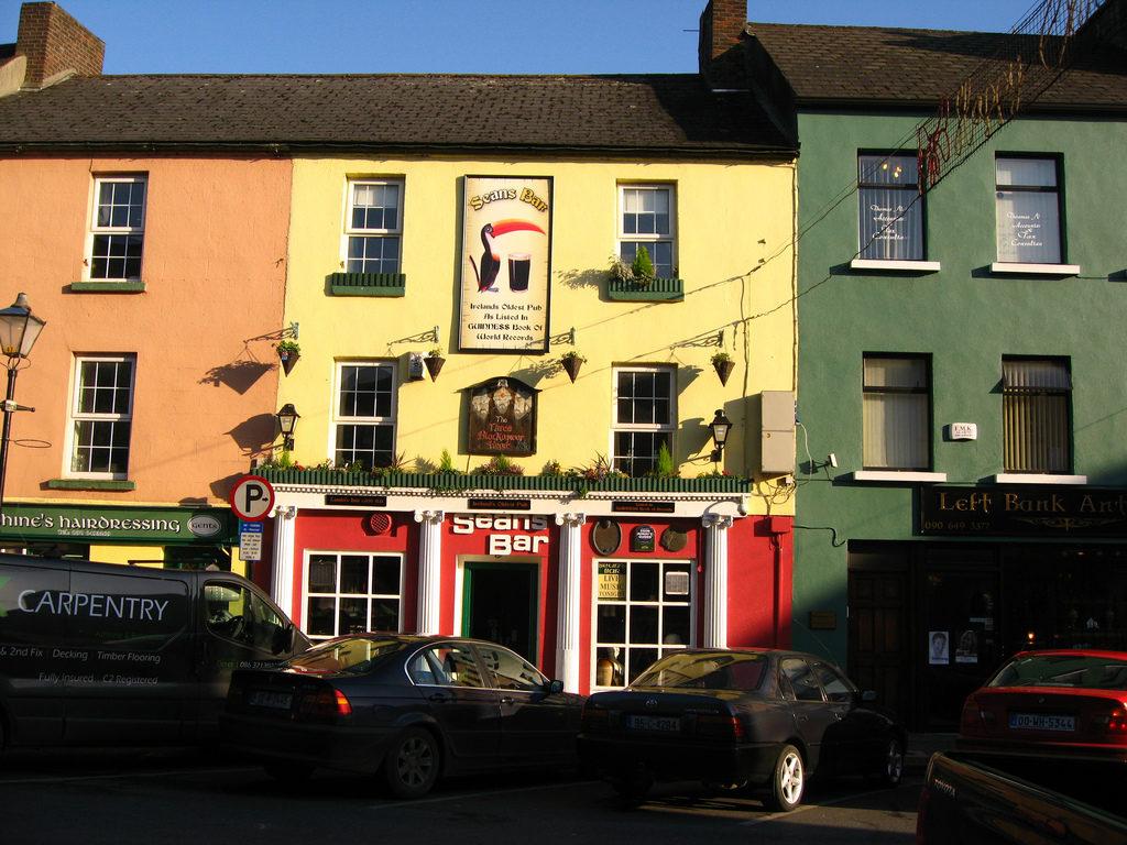 Sean's Bar из списка старейших фирм мира. Старейший бар в Европе