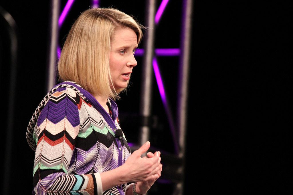 По данным ученых, удаленная работа повышает эффективность труда работников. Печальный опыт компании Yahoo свидетельствует, что наука права.