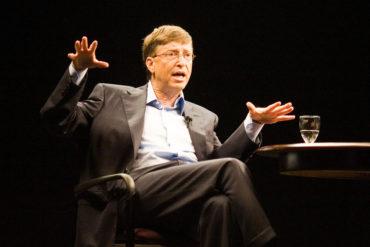 Почему в Microsoft все раскачиваются на стульях. Привычки организаций и активная инерция