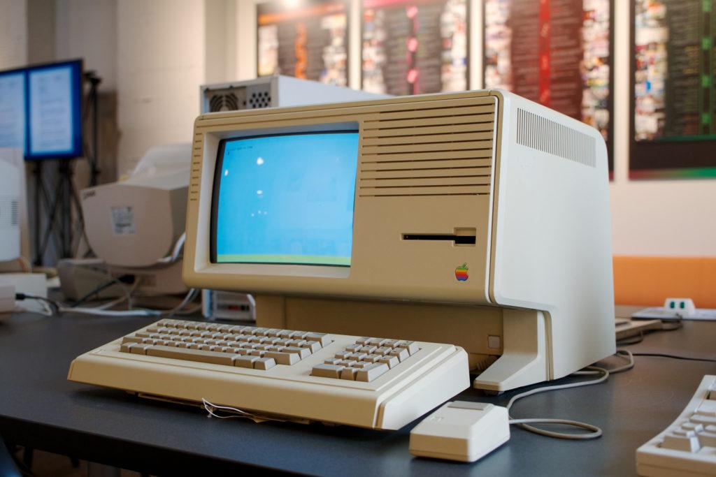 Компьютер Apple Lisa. Графический интерфейс и мышь