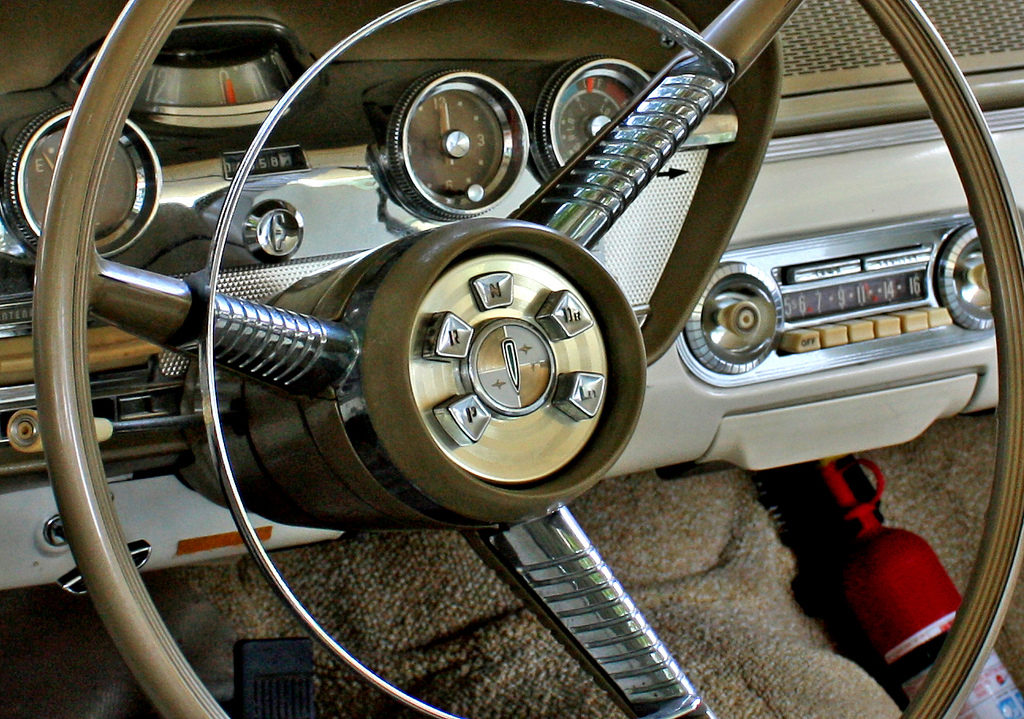 Интерьер  Ford Edsel.