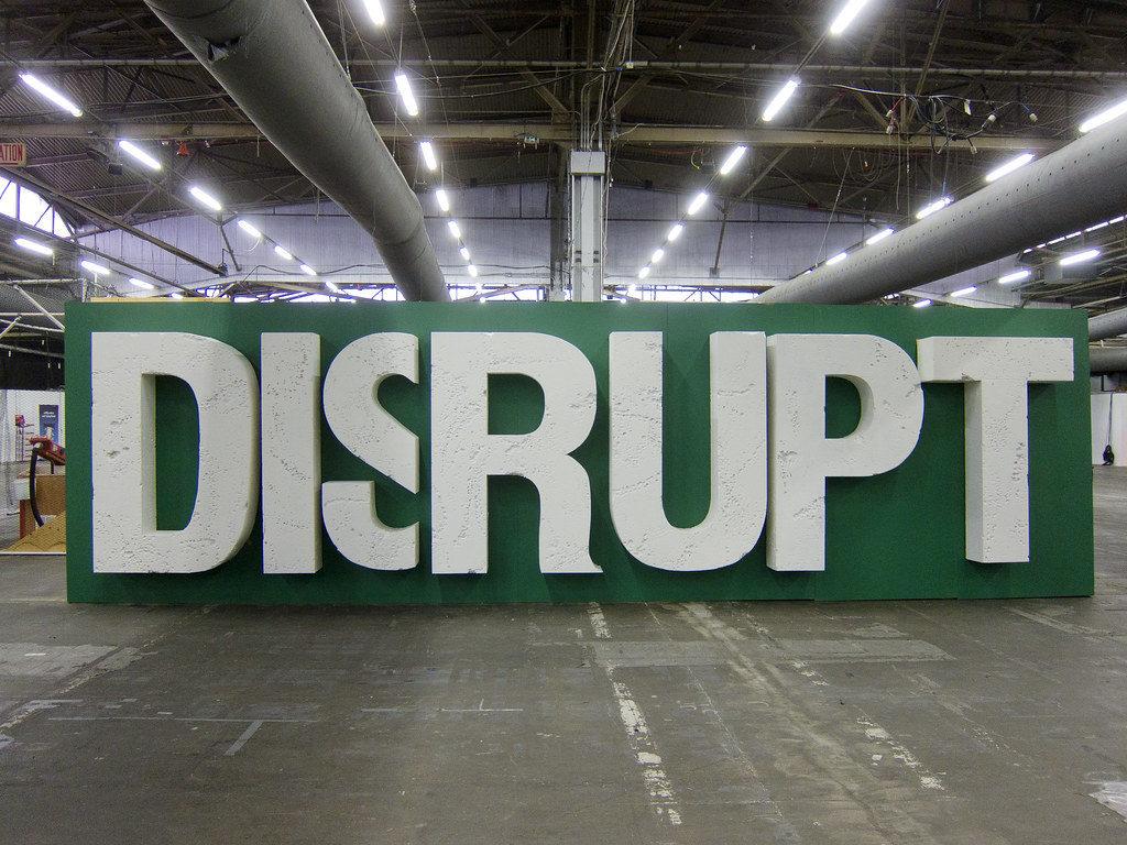 Дилемма инноватора - концепция, объясняющая, почему многие компани не способны воспользоваться собственными подрывными инновациями.