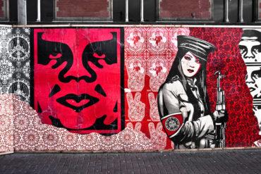 Бренд Obey и его создатель Шепард Фейри — один из богатейших художников стрит-арта и обладатель таланта создавать бренды