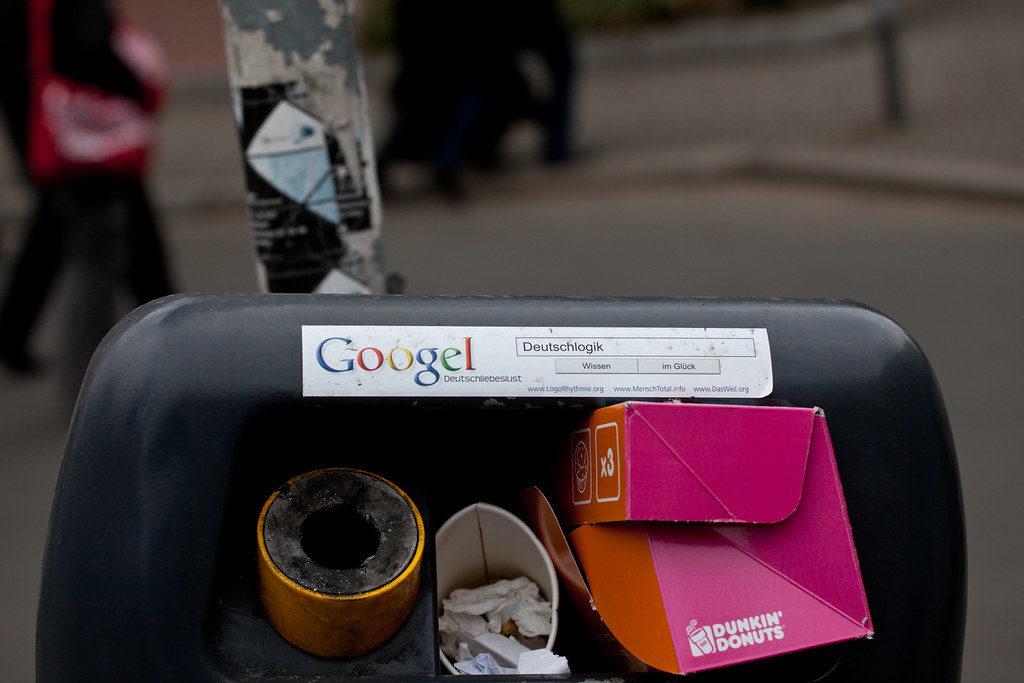Цена опечатки и тайпсквоттинг. Google зарабатывает полмиллиарда долларов в год на опечатках
