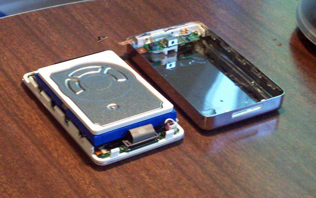 Зачем Джобс бросил iPod в аквариум?