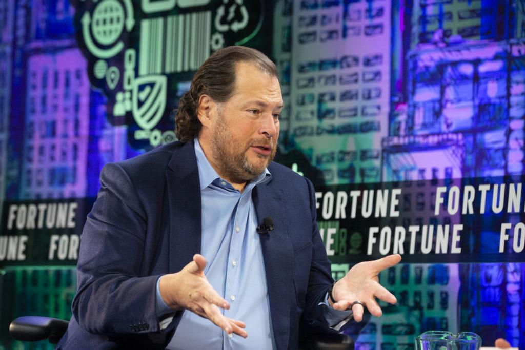Марк Бениофф - основатель и руководитель Salesforce.