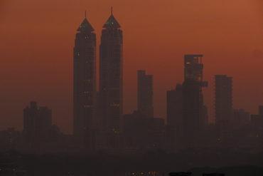 Самый дорогой частный дом в мире за 1 миллиард долларов — небоскреб Антилия