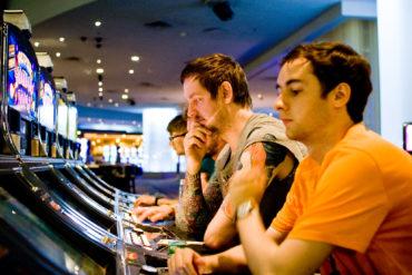 Действительно ли Лю Лоранг проиграл Gionee в казино?