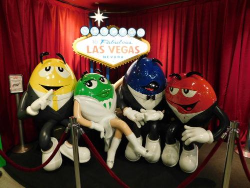 Как персонажи M&M's превратили цветные конфеты в миллиардный бренд