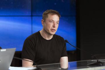 Высказывания Илона Маска о коронавирусе создали ему репутацию «технологического ковидиота No. 1» — по версии New York Post